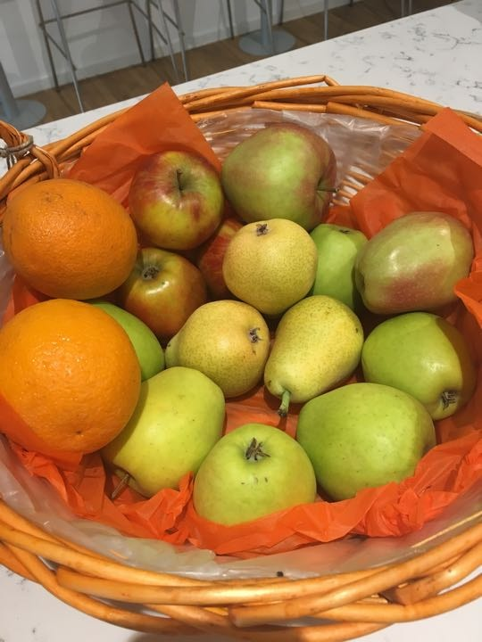 Fruits - apples and pears