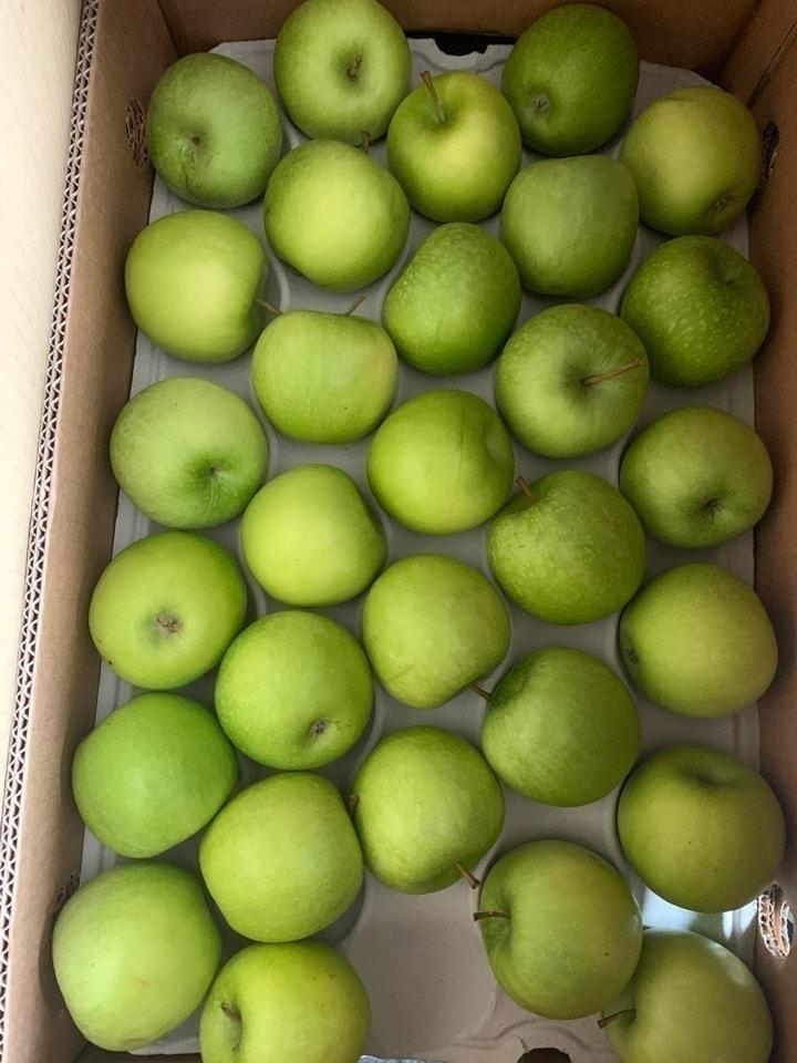 8x green apples