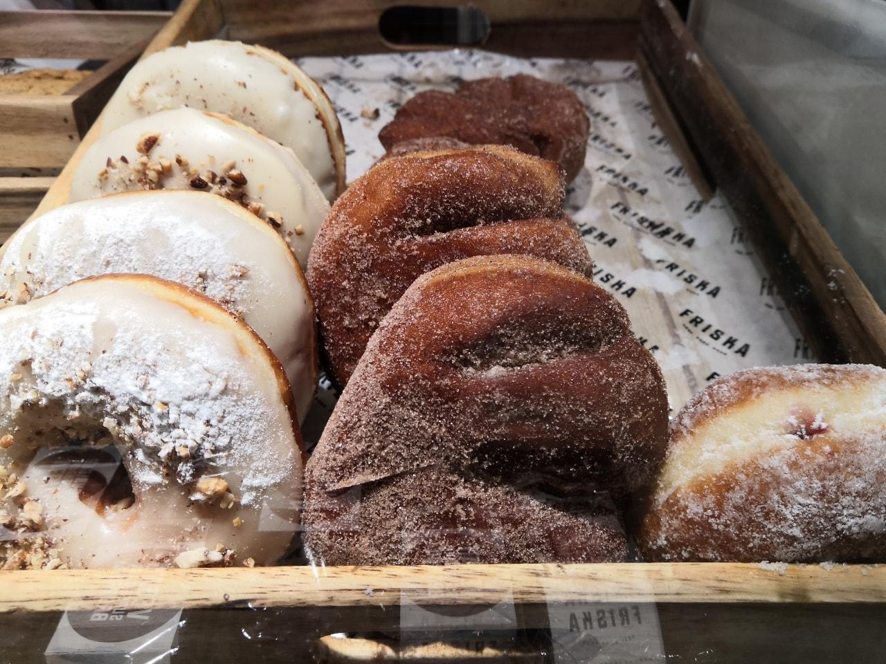Friska Cakes/Doughnuts