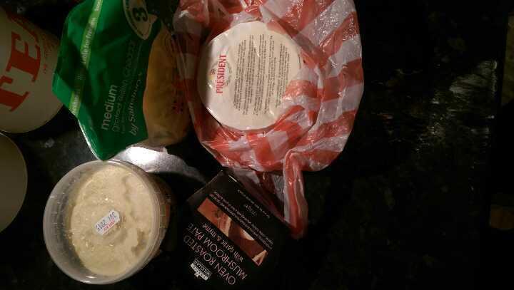 Hummus, camembert, chedar, mushroom pate