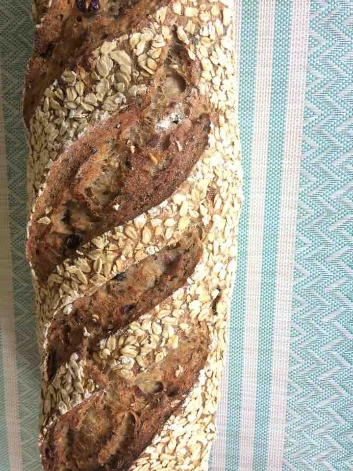 Pan con frutos secos y avena