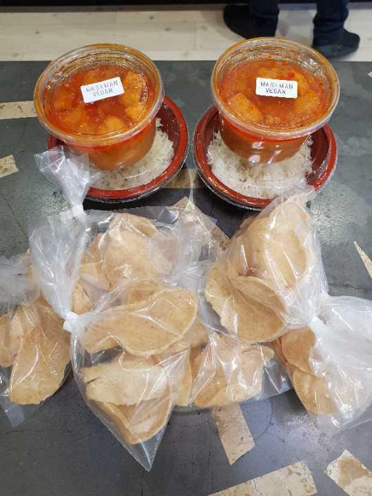 X2 Masaman tofu vegan Thai rice boxes with prawn crackers