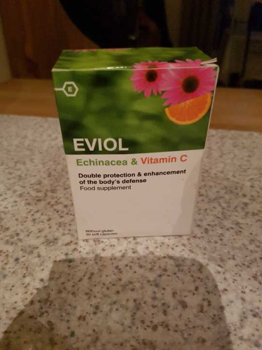 Echinacea and vitamin C tablets