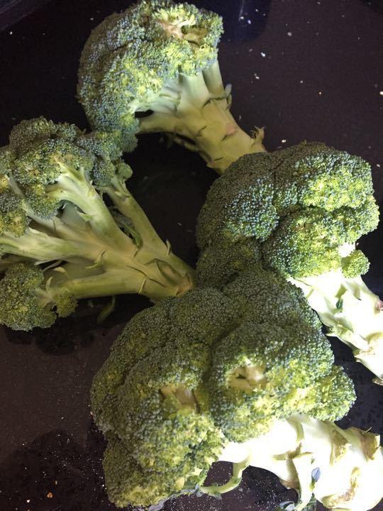 2 broccoli (splitting)