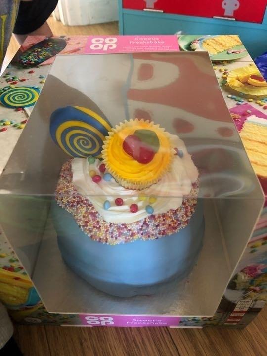 Sweetie freakshake cake!!