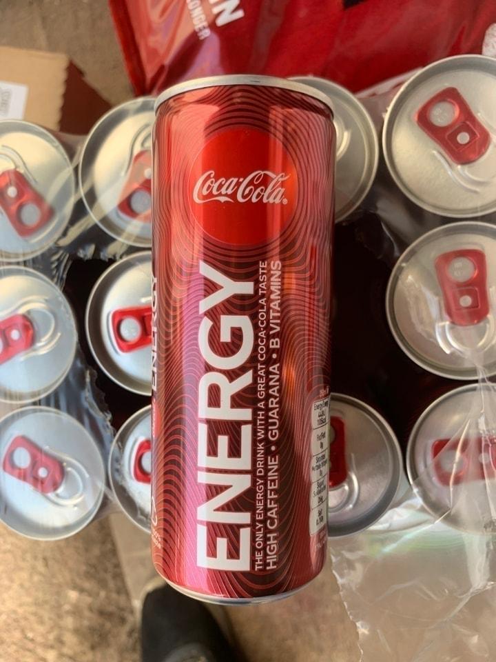 Cocacola energy drink 4 per person