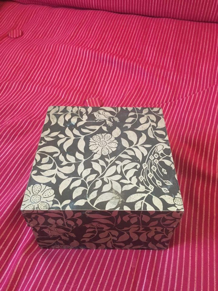 Pretty trinket box 10cm x 10cm