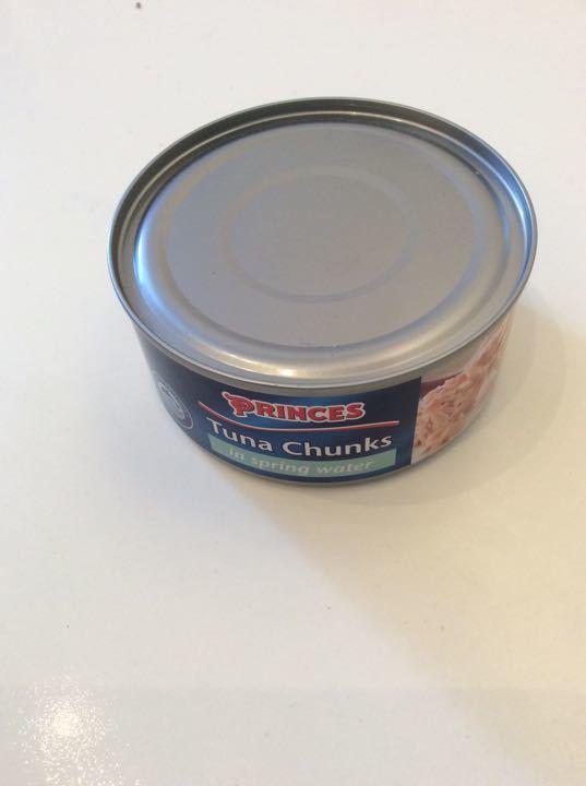 Tuna chunks in spring water